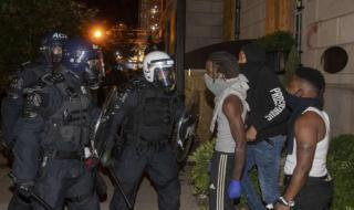 تحليل لاعتقالات الشرطة في أميركا يظهر تفاوتاً عنصرياً صارخاً