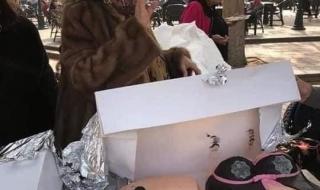 """متداول : شاهد.. مصريات يحتفلن بتناول حلوى """"أعضاء تناسلية"""" يشعلن غضبا عارما"""