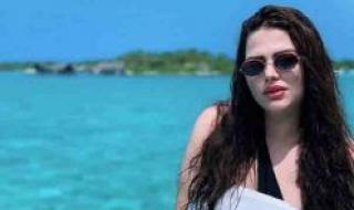 تجاوزت جرأة رانيا يوسف.. هنادي مهنا بمايوه شفاف يكشف مفاتن جسدها