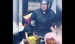 اشتهرت بالطبخ في غرفة النوم..شاهد: اليوتيوبر المصرية أم نور تثير جدلا بخلعها الحجاب