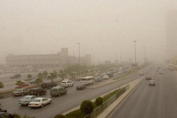 """الأمطار هنا.. """"الحصيني"""" عن """"طقس الأحد"""": رياح مغبرة بهذه المناطق"""