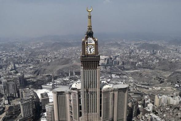 شرطة مكة المكرمة تقبض على 5 مقيمين سرقوا 80 قاطعًا كهربائيًّا