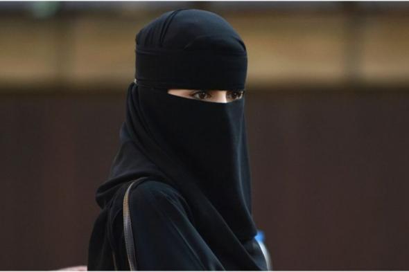 متداول : فيديو لفتاة ترقص داخل مركز تجاري في السعودية يثير ضجة واسعة