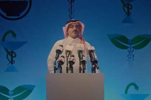 """فيديو لحبيب الحبيب يقلد متحدث الصحة الدكتور محمد العبدالعالي: """"يا ناس طلعتوني من طوري"""""""
