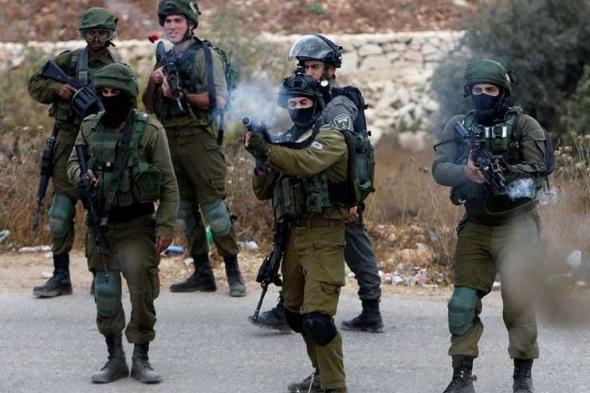 جيش الاحتلال يعتقل عائلة كاملة في العيسوية