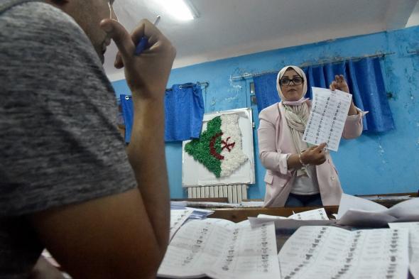 الجزائر.. إقبال ضعيف بأول انتخابات بعد تنحي بوتفليقة
