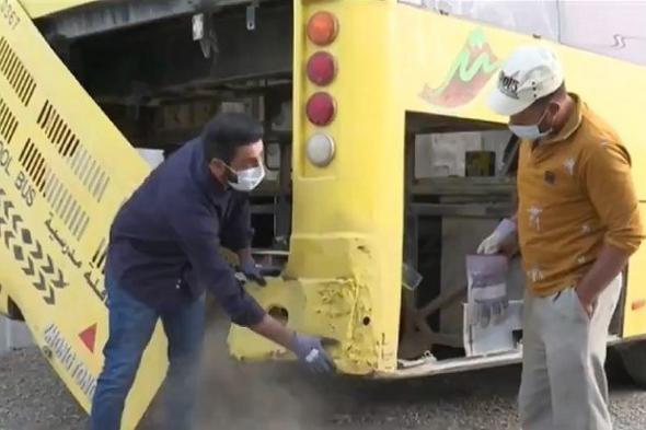 شاهد.. كيف حوّل شاب سعودي حافلة مدرسية قديمة إلى فندق متنقل